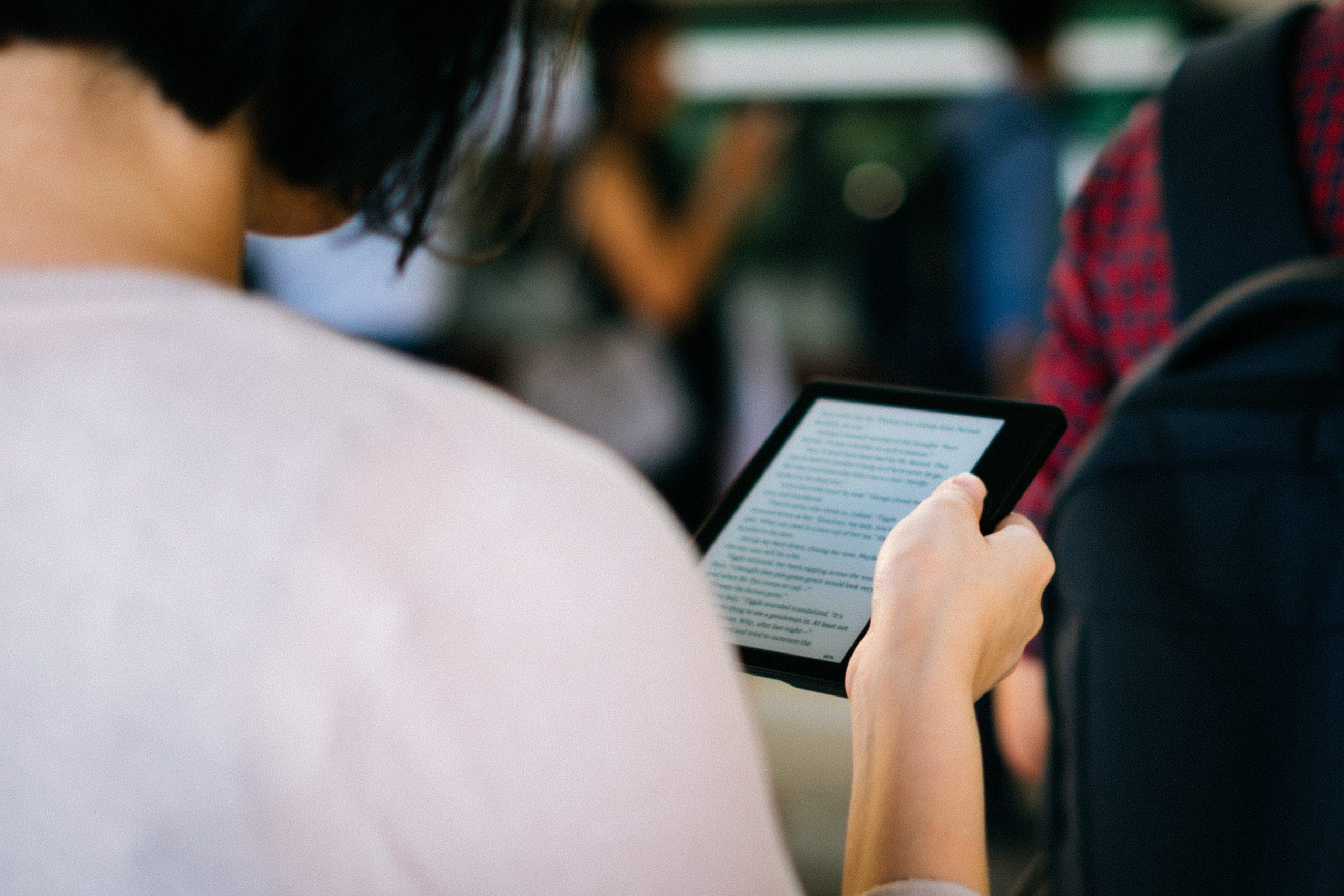 E-bøger er perfekte til at fordrive tiden, når du er undervejs